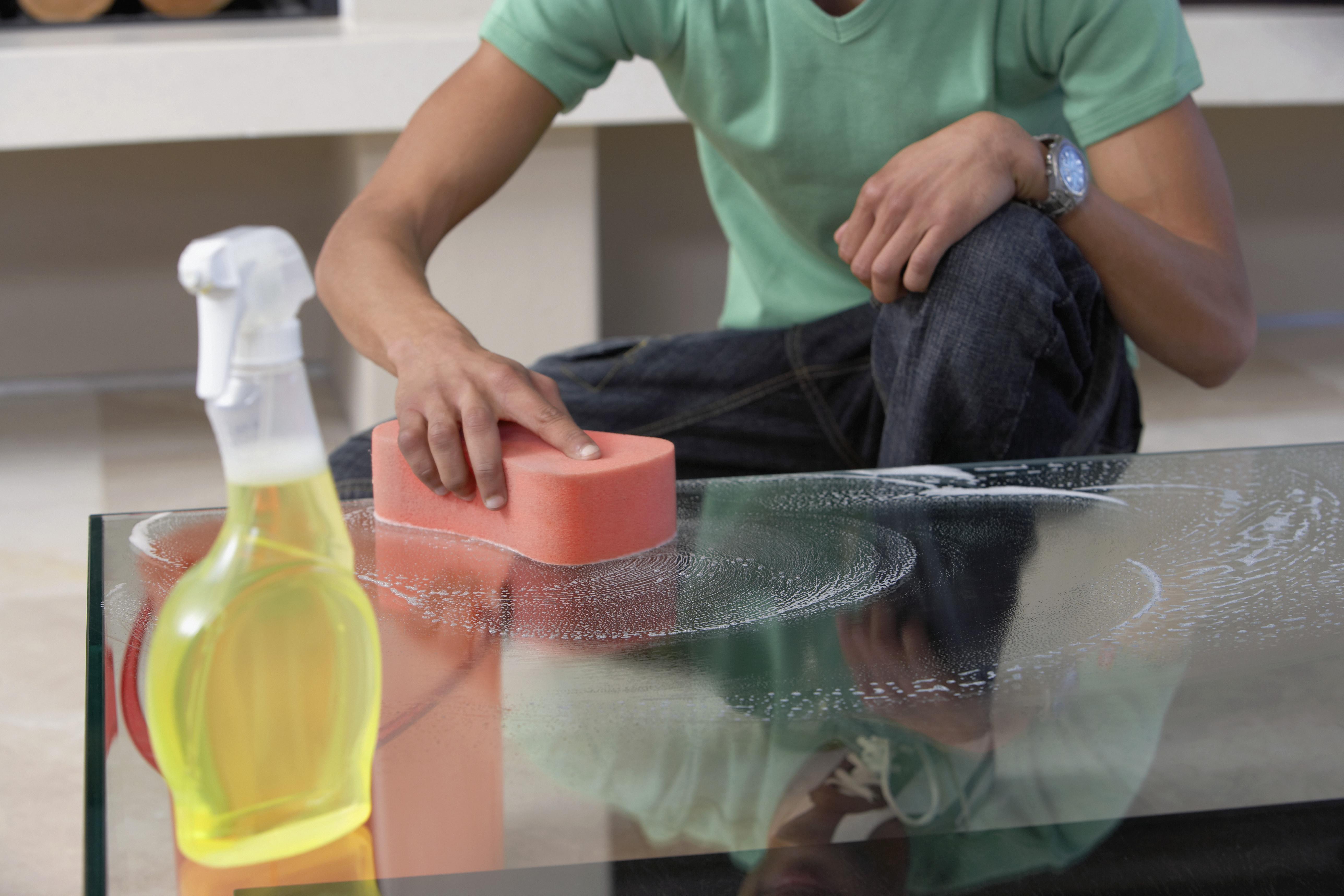 Как убрать царапины со стеклянного стола - wikiHow